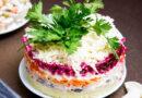 Селедка под шубой слои по порядку – классический рецепт с луком и яйцом. Пошаговые рецепты селедки под шубой с описанием слоев